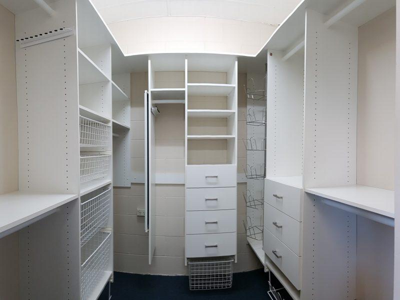 Walk in wardrobes wardrobe design centre brisbane built for Walk in robe designs